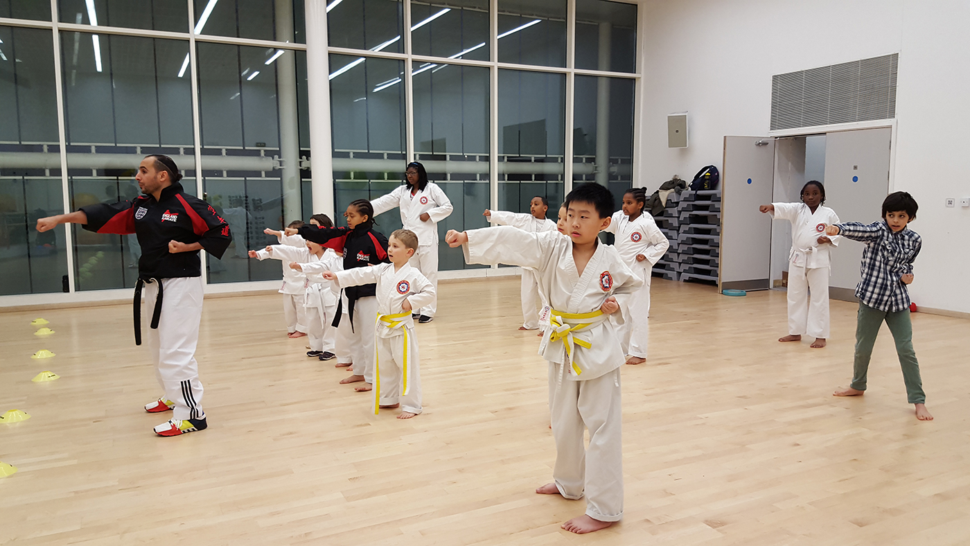 Beginners training at Glassmill Dojo